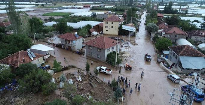 Antalya'yı sel vurdu: Zarar çok büyük