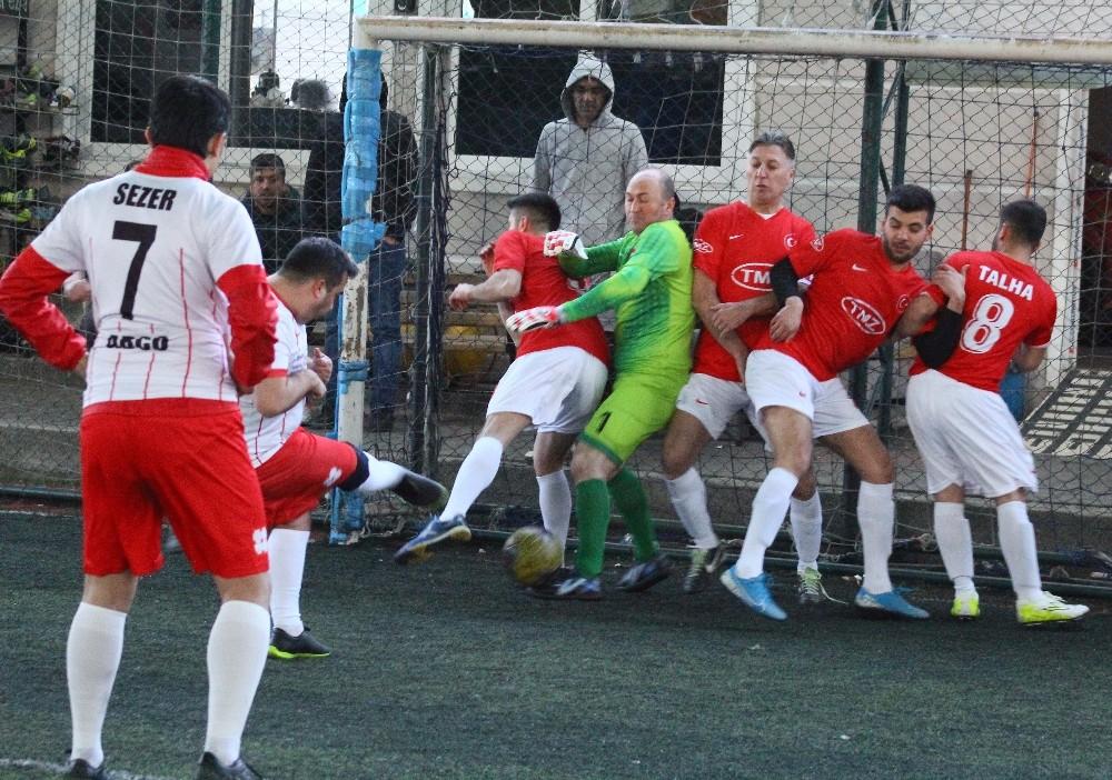 AOSB'nin futbol turnuvasında heyecan sürüyor