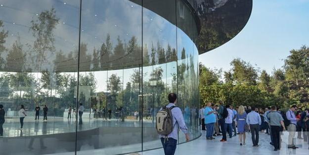 Apple'de neler oluyor? 7 kişi bu yüzden yaralandı
