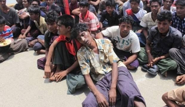 Arakanlı Müslümanlar: Bizi öldürün ama oraya göndermeyin
