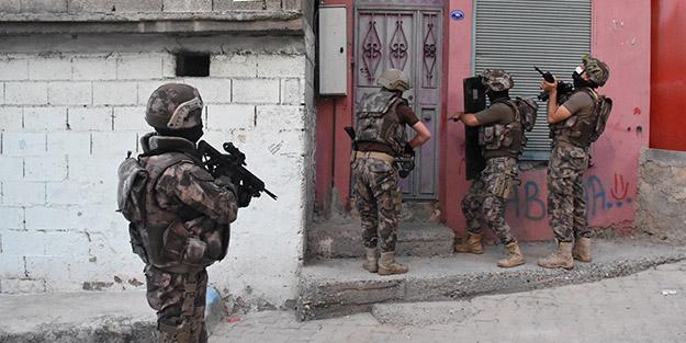 Kentte flaş operasyon! 2 muhtar ve HDP'li başkan dahil 33 kişi için gözaltı kararı