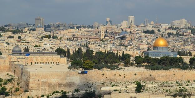 'Arap liderler Kudüs'ü sattı'
