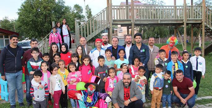 Ardahan'da yetim çocuklar için iftar programı düzenlendi