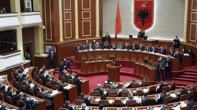 Arnavutluk'taki seçimin ikinci turu da 'adaysız' tamamlandı