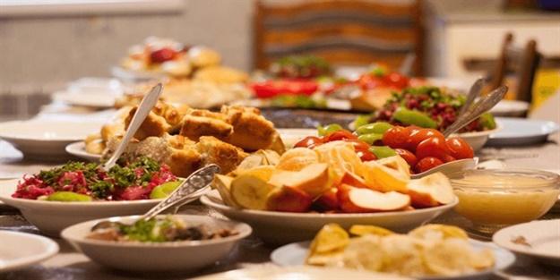 Aşırı yemek yeme isteğini yok etmenin 6 yolu!