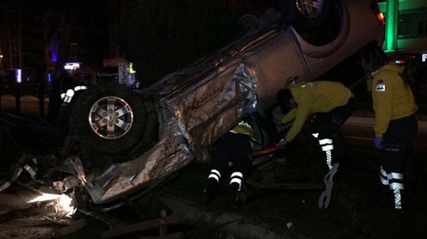 Askeri araç kaza yaptı: 2 asker yaralandı