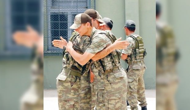 ASKERİN GÖZÜ MECLİS'TE 130 BİN TERHİS!