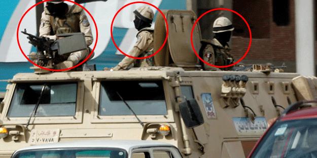 Askerler yolda! Dünya izliyor… Simsiyah maske