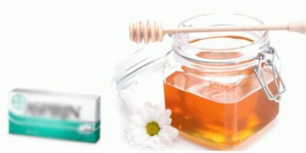 Aspirini bal ile ezip yüzünüze sürün! Mucize sonuç