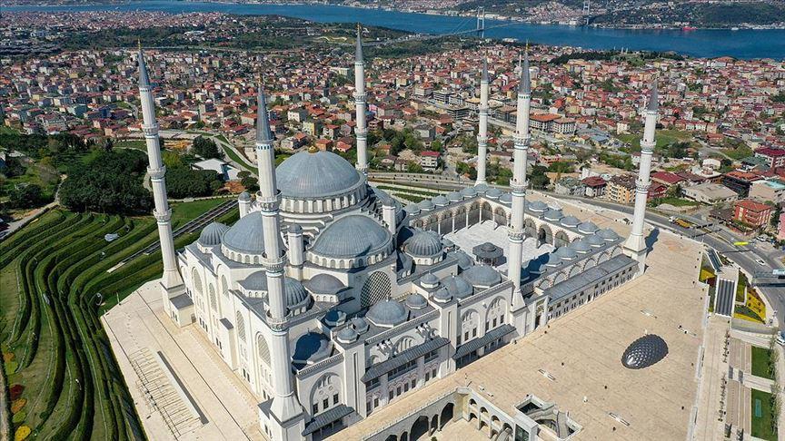Asrın mührü 'Büyük Çamlıca Camisi' bir yılda 7 milyon kişiyi ağırladı