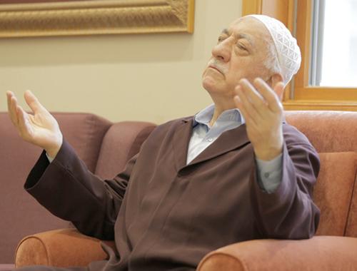 Astsubay tüm bildiklerini itiraf etti: Fetullah Gülen her gece...