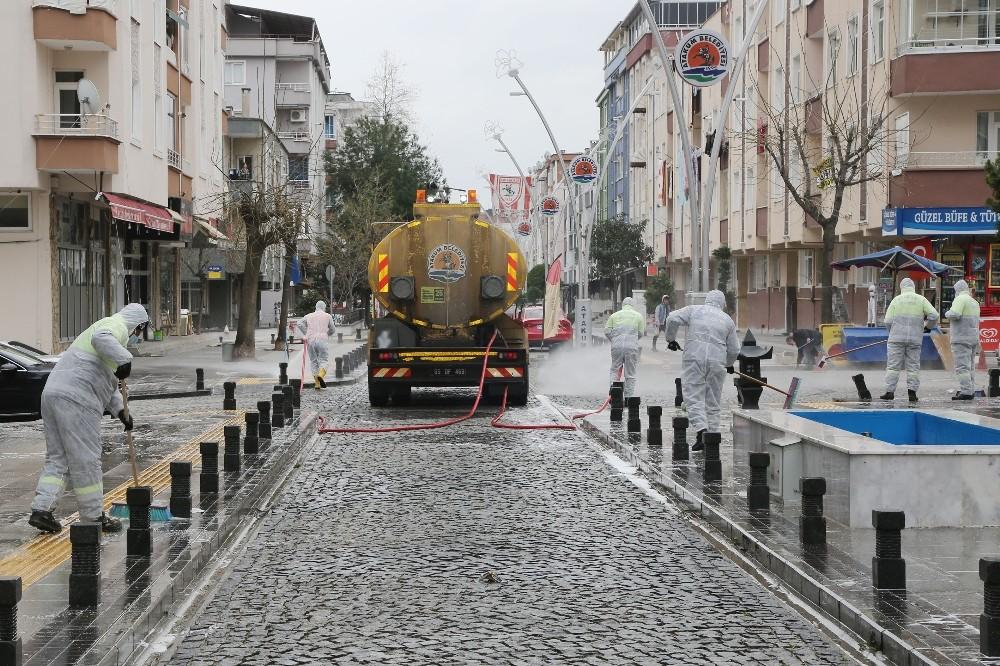 Atakum'un 'hijyen timi' cadde, park ve camilerde
