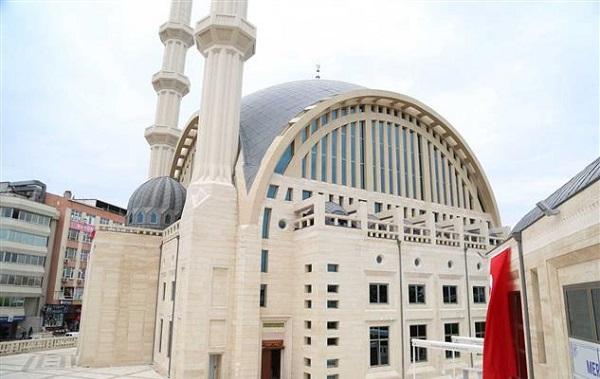 Avcılar'da hangi camilerde cuma namazı kılınacak?   Hangi camilerde cuma namazı kılınıyor