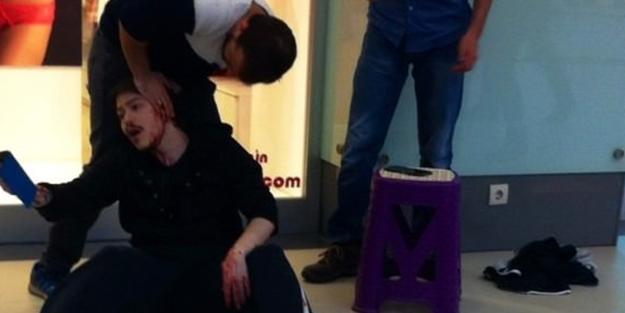 AVM'de gezerken üzerine düştü, kanlar içinde kaldı!