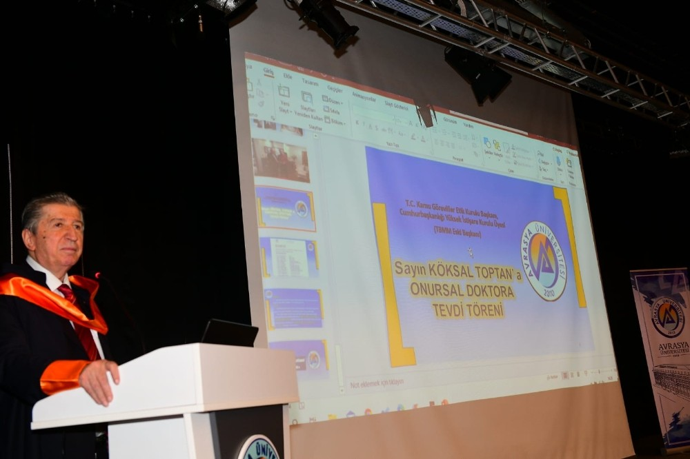 Avrasya Üniversitesi'nden Köksal Toptan'a onursal doktora belgesi