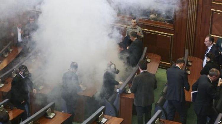 Avrupa ülkesinde meclis karıştı!