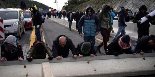 Avrupa'da radikal gruplar İspanya-Fransa kara yolunu kesti!
