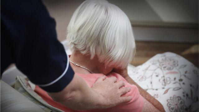 Avustralya'da büyük ahlaksızlık! Bakımevlerindeki yaşlılara cinsel saldırı