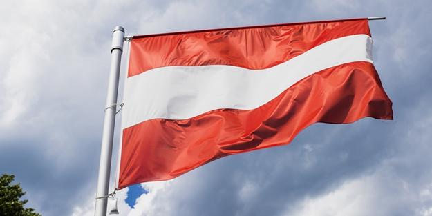Avusturya'da aylar sonra koalisyon hükümeti kuruluyor
