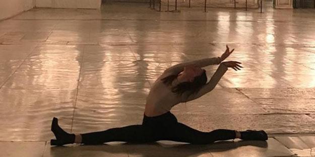 Ayasofya Camii'ndeki skandal görüntüye tepkiler çığ gibi: Görevliler bu kadın dans ederken nereye bakıyordu?