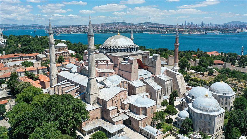 'Ayasofya Camisi'ne ait bazı eserler müzeye çevrilirken yapıdan uzaklaştırıldı'