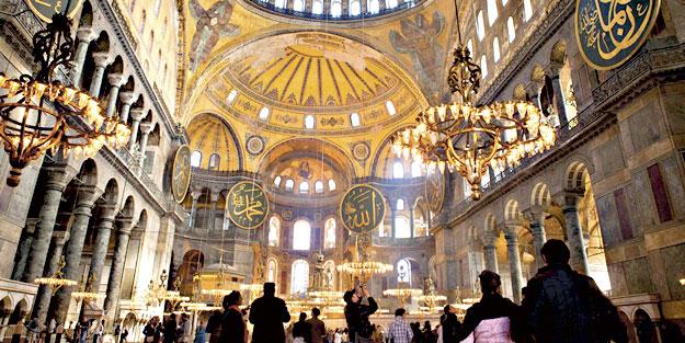 Ayasofya'da Kur'an ziyafeti