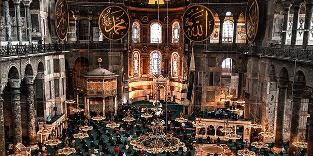 Ayasofya'da Ramazan-ı Şerif'in ilk cuması eda edildi
