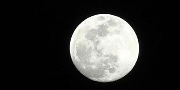Ay'da keşfedilen gizemli maddenin sırrı çözüldü