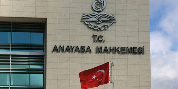 AYM'den skandal karar! Cumhurbaşkanı Erdoğan'a hakareti