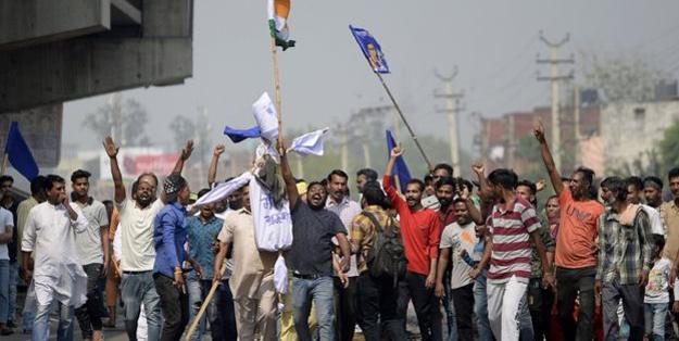 Aysa ülkesinde 'kast sistemi' ayaklanması! Ölüler var