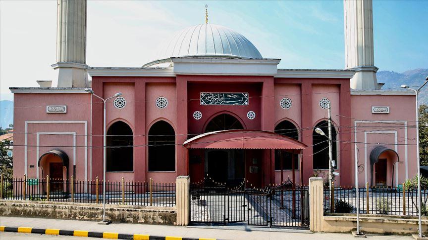 Azad Keşmir'in kalbi Türk camisi çevresinde atıyor