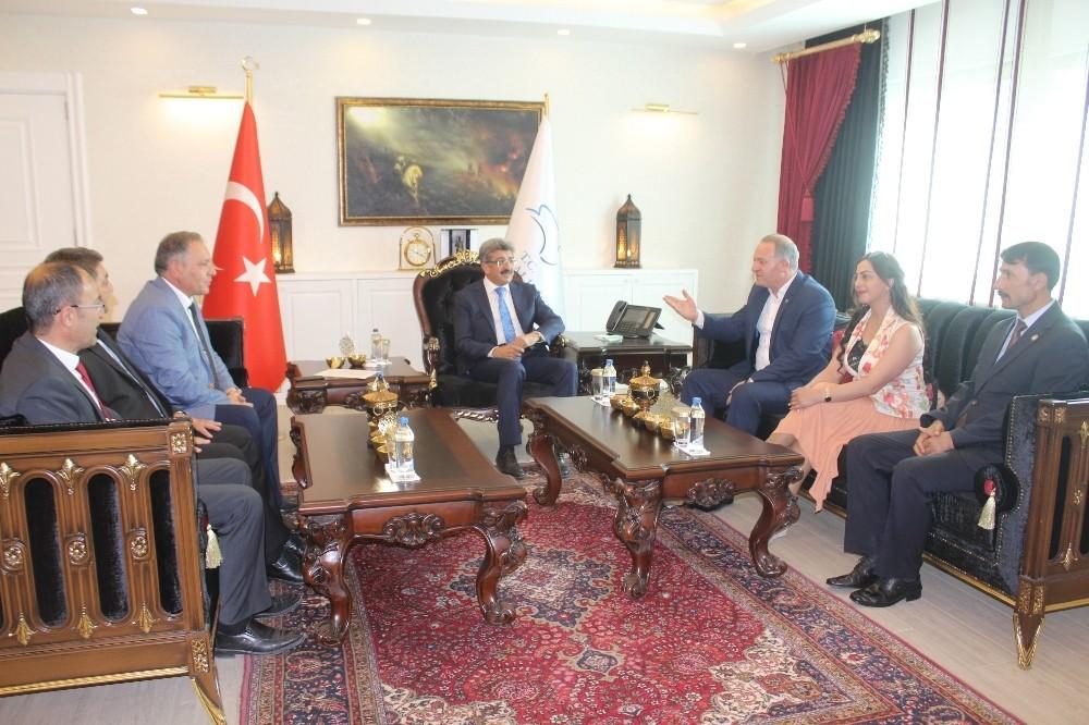 Azerbaycan heyeti Van'da