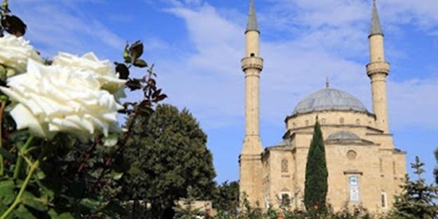 Azerbaycan o camiyi kapatıyor