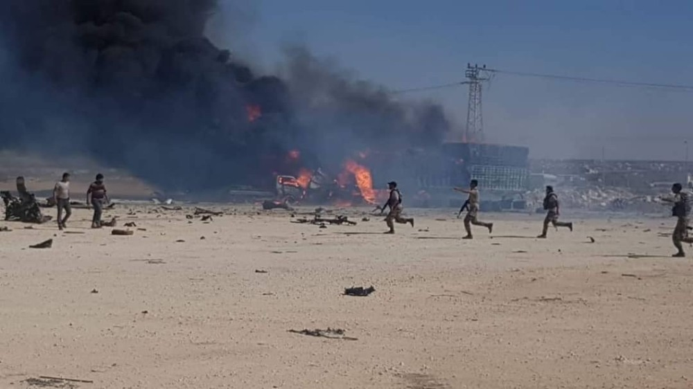 Azez'de petrol tankeri patladı: 2 yaralı