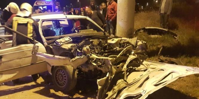 Denizli'de iki otomobil çarpıştı: 1 çocuk öldü, 10 kişi yaralandı