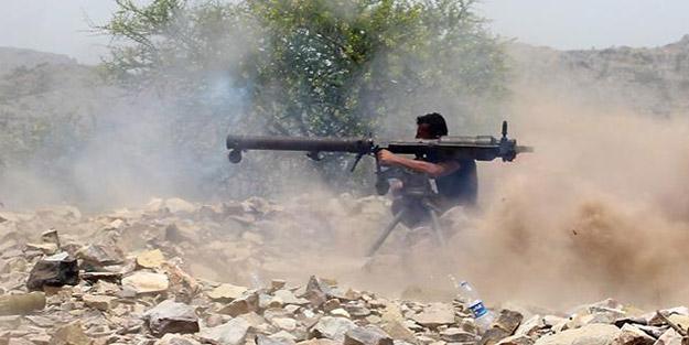 BAE destekli güçler, hükümete ait askeri merkeze saldırdı