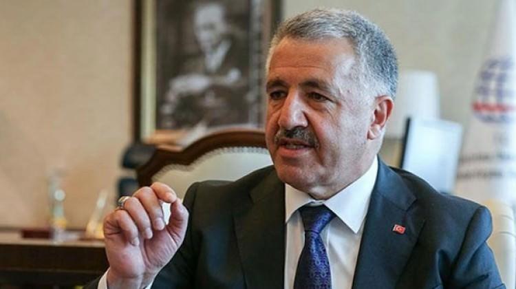 Bakan Arslan: 10 büyük projenin 6'sı Türkiye'de yapılıyor