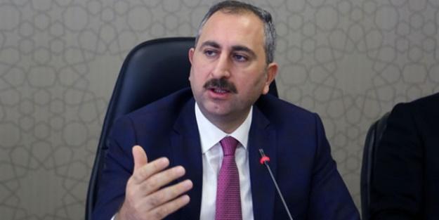 Bakan Gül'den stajer avukat açıklaması