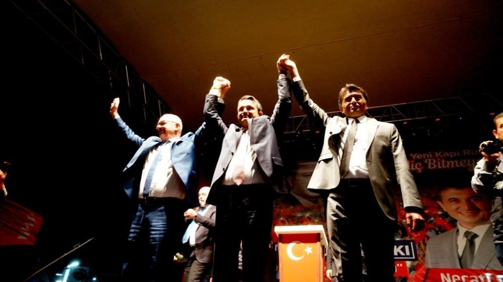 BAKAN PAKDEMİRLİ SARIGÖL'DE CHP'Yİ ELEŞTİRDİ