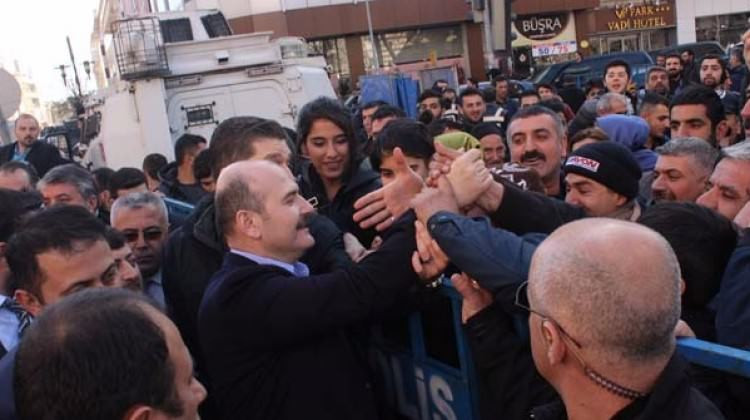 Bakan Soylu'ya Diyarbakır'da sevgi seli!