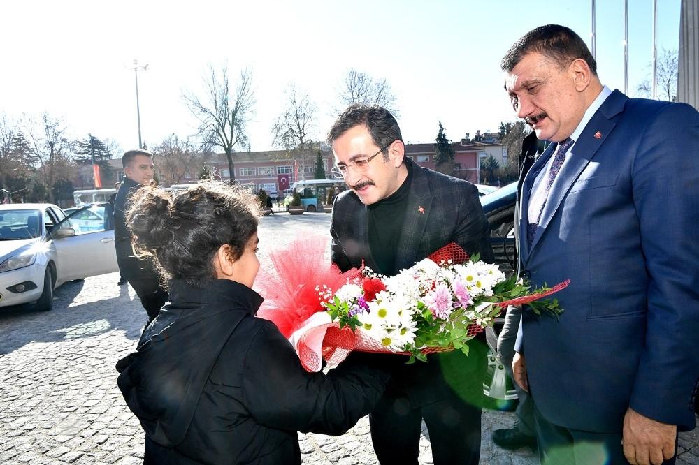 Bakan Yardımcısı Uzun, Başkan Gürkan'ı ziyaret etti