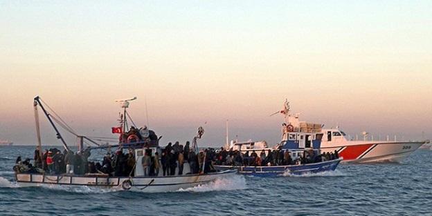1 haftada 805 göçmen ile 3 kaçakçı yakalandı