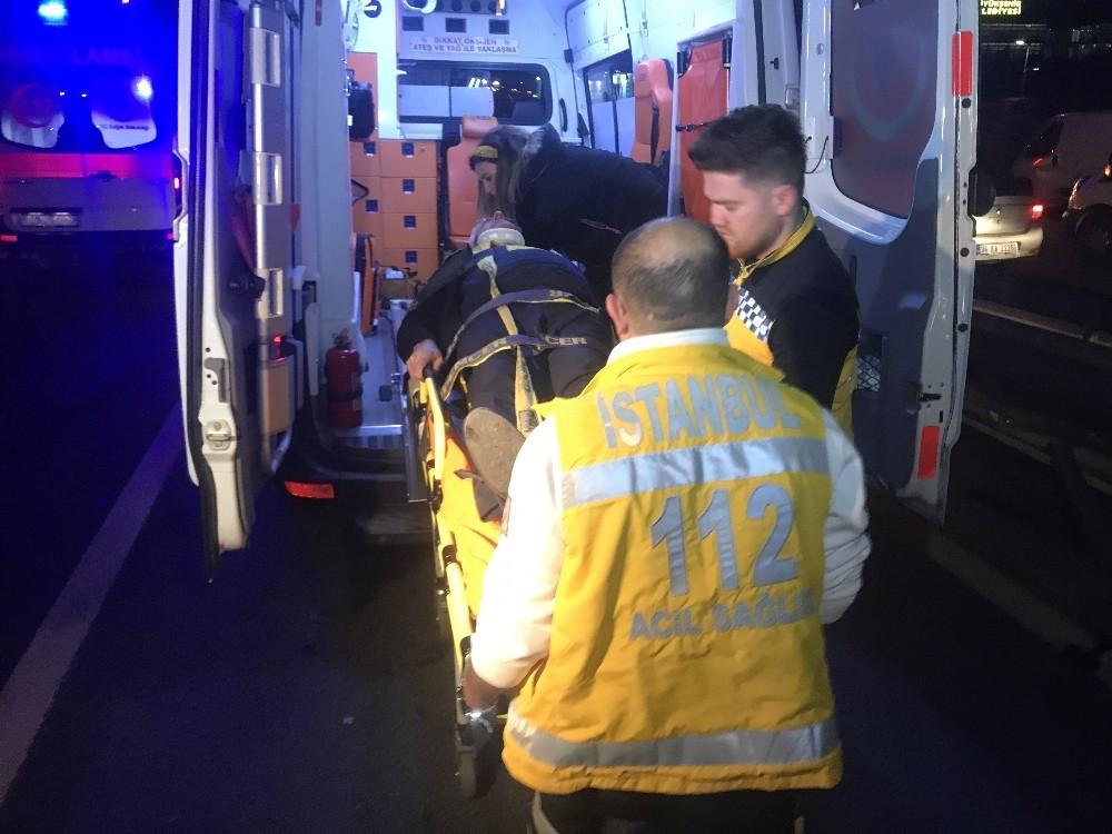 Bakırköy'de trafik kazası; 5 yaralı
