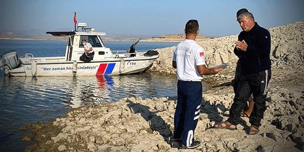 Balık avlarken suçüstü yakalandı! Jandarmadan binlerce liralık ceza