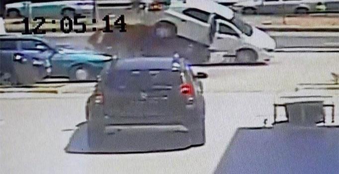 Balıkesir'de feci kaza: 2 kişi ödlü