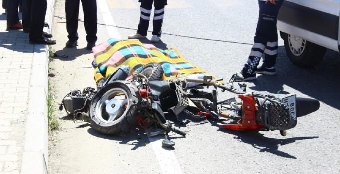 Balıkesir'de kırmızı ışıkta geçen TIR'ın çarptığı motosikletli öldü