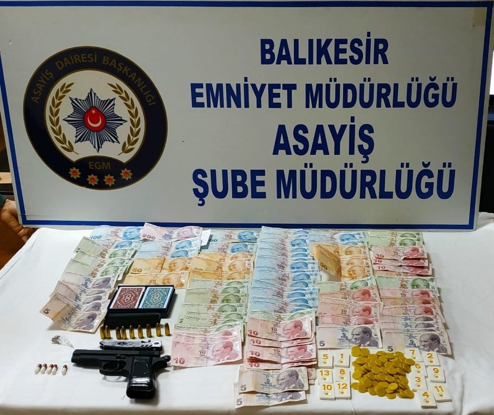 Balıkesir'de kumar operasyonu: 11 gözaltı