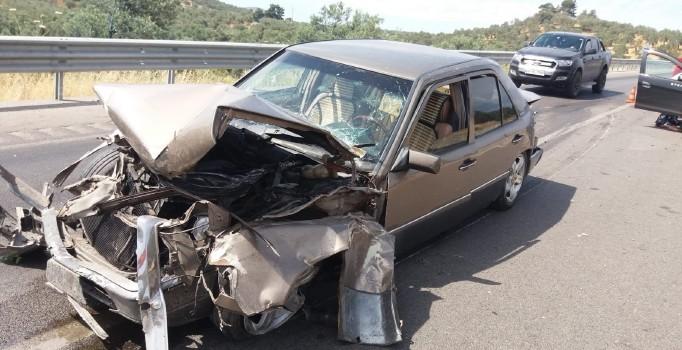 Balıkesir'de trafik kazası: 3 kişi yaralı