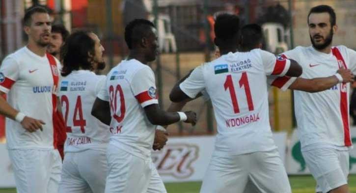 Balıkesirspor 3-0 geriye düştüğü maçta Mersin İdmanyurdu ile 3-3 berabere kaldı