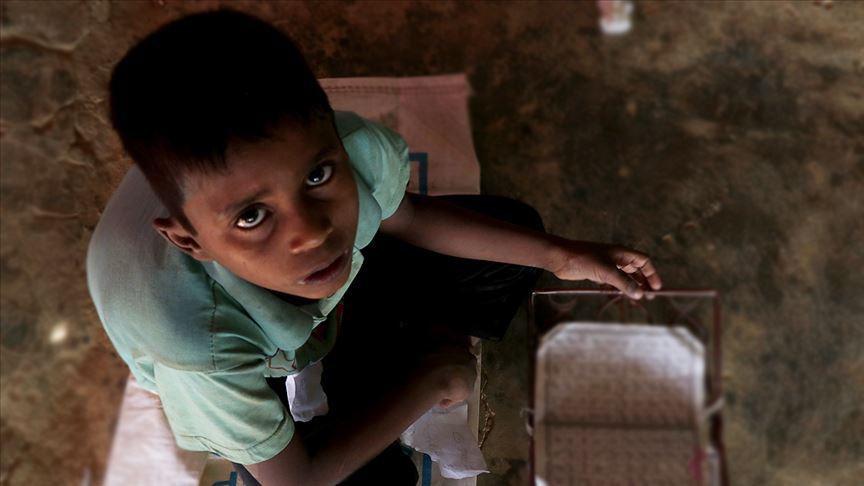 Bangladeş Arakanlı Müslüman çocukların eğitime erişimini engelliyor